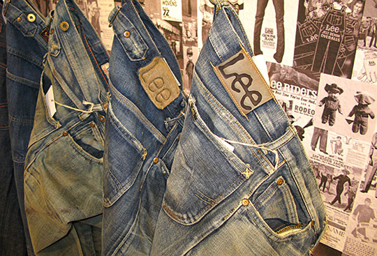 Lee Jeans Display